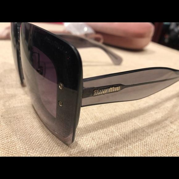 a7fb64b5f3 Miumiu sunglasses. M 5b417c1534a4efdac9000fae